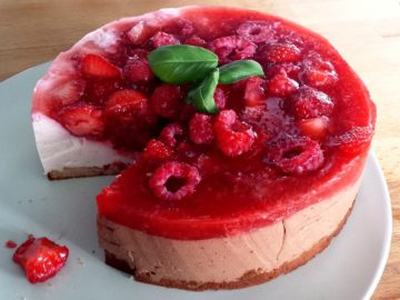 Valentine's Day: White Chocolate Raspberry Cheesecake